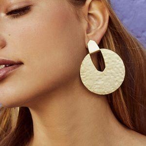 Brand new Kendra Scott Diane gold earrings